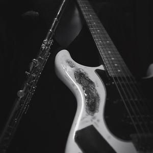 楽曲の伴奏、歌唱メロディーを作成します